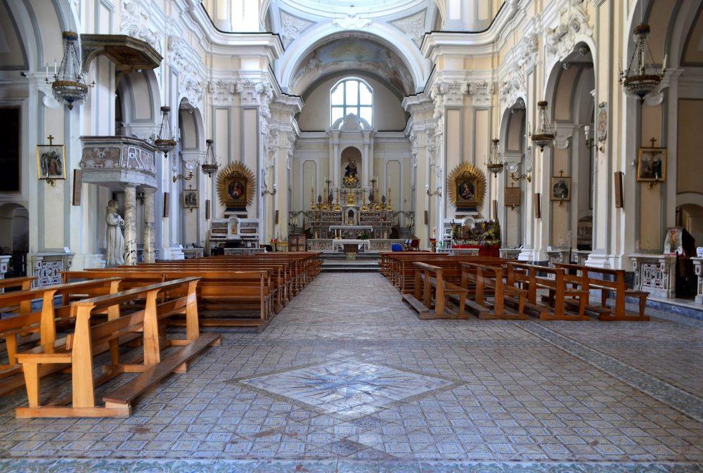 chiesa quartieri spagnoli