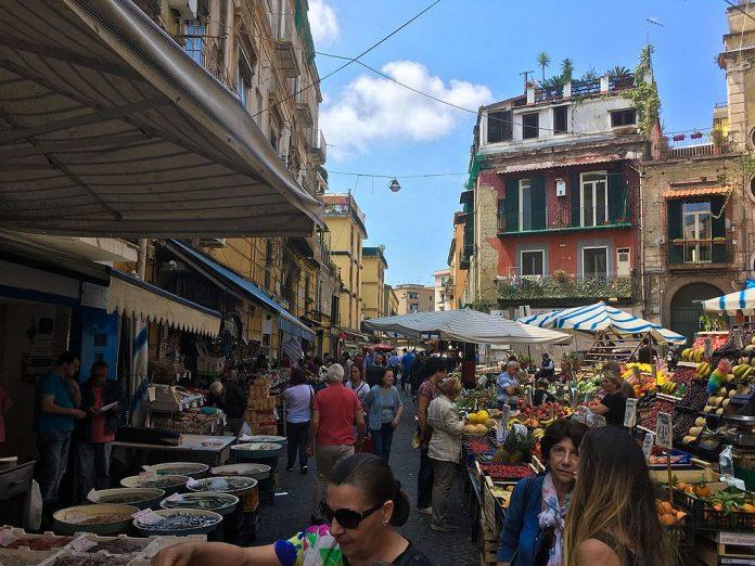 mercati rionali napoli foto